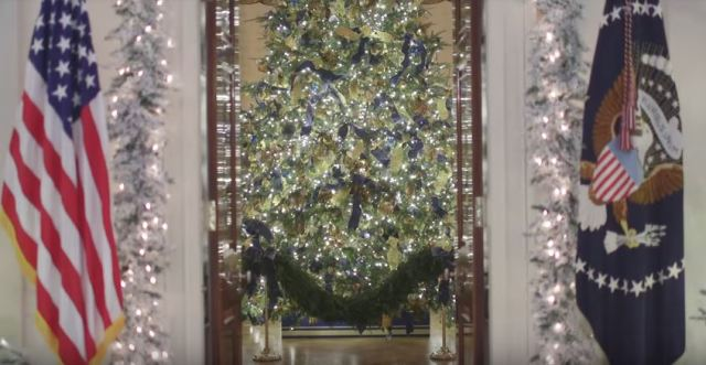 White House Christmas 2017 oval entrance - Youtube